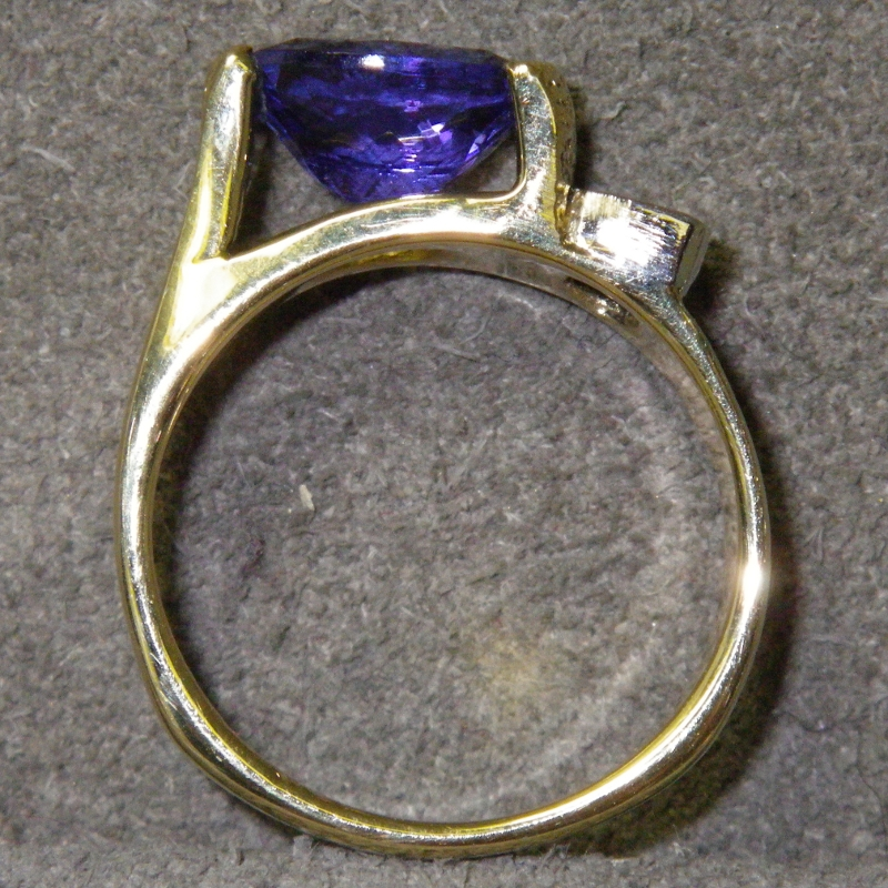 Tanzanite - On The Town